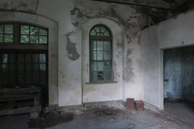 旧第三変電所の内部2